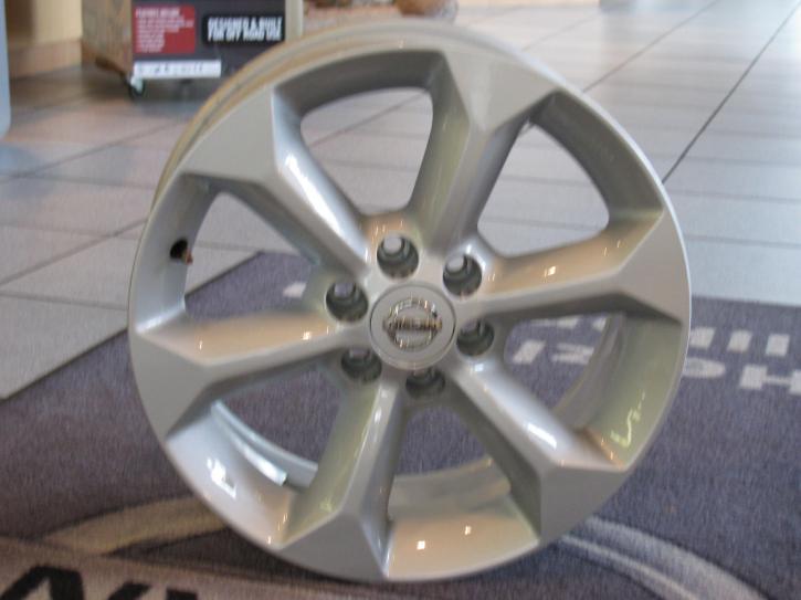 """Nissan Felge  7Jx17"""" ET30 original Navara D40"""