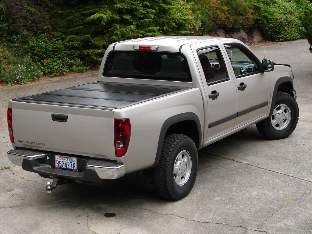 gmc orders hy selling and fi business autos la canyon trucks gm dealers midsize to stop colorado story chevy