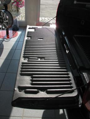 Heckklappenabdeckung mit Kantenschutz Nissan Navara D40